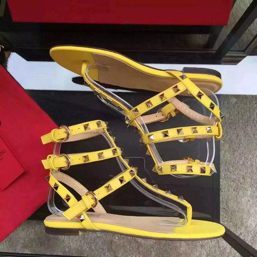 b407338ed 2016 Summer Valentino Garavani Rockstud Rolling Thong Flat Sandal in  Calfskin