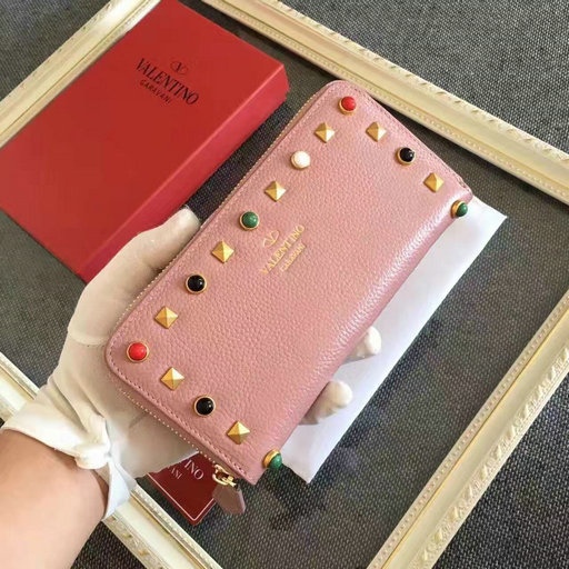 2016 New Valentino Garavani Rockstud Rolling Zip Around Wallet in pink calfskin leather