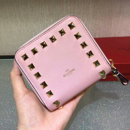2017 Fall/Winter Valentino Rockstud Compact Wallet in pink calfskin leather
