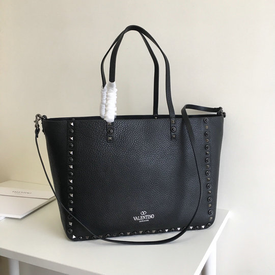2017 F/W Valentino Guitar Rockstud Rolling Reversible Double Tote in black calfskin