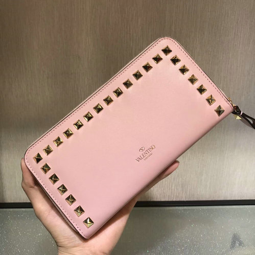 2017 F/W Valentino Rockstud Zip Continental Wallet in pink lambskin leather
