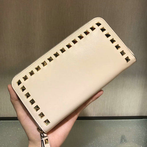 2017 F/W Valentino Rockstud Zip Continental Wallet in off-white lambskin leather