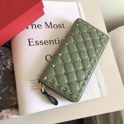 2017 F/W Valentino Rockstud Spike Zip Continental Wallet in green lambskin leather