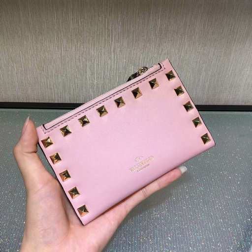 2017 Valentino Rockstud Coin Purse & Card Case in pink calfskin leather