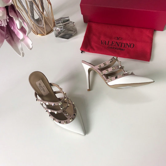 2019 Valentino Rockstud 9.5cm Mules in White Patent Leather