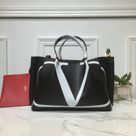 2020 Valentino VLOGO Escape Shopper with inlay detail