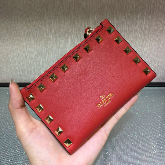 2017 Valentino Rockstud Coin Purse & Card Case in red calfskin leather